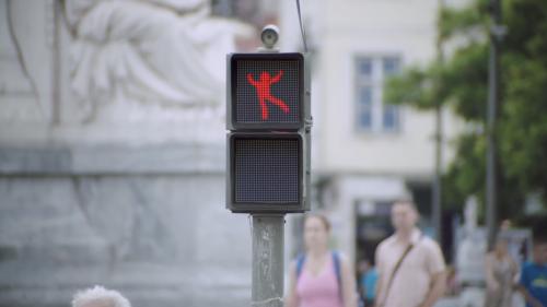 The Dancing Traffic Light - Smart